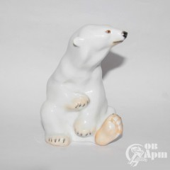 "Скльптура ""Белый медведь"""